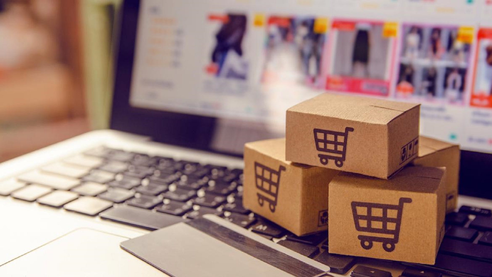 Large-Scale Retail: the future lies between online shopping and new processes
