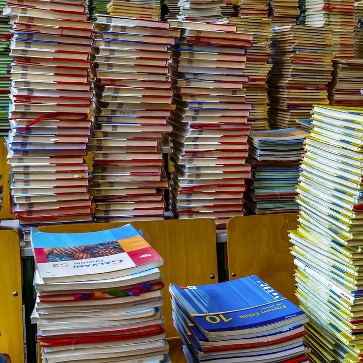 libri-scuola_720x720.jpg
